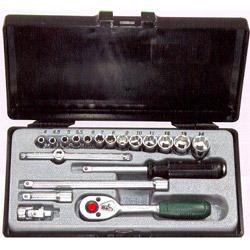 Κασετίνα Καρυδάκια ¼ 19 τεμ. 4-14 mm Force