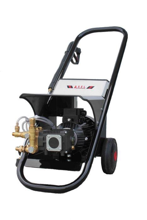 Πιεστική μηχανή κρύου νερού 200bar/15lt/min made in italy
