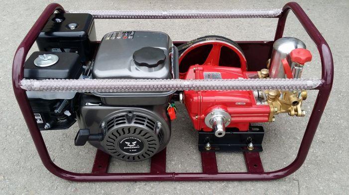 Ψεκαστικό συγκρότημα βενζίνης σε βάση με βενζινοκινητήρα zongshen 6.5hp τετράχρονο και αντλία FARMATE