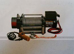 Eργάτης οχημάτων DW 9000 12V 5,6hp 4082kg έλξη