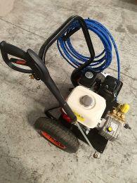 Βενζινοκίνητο πλυστικό μηχάνημα επαγγελματικής χρήσης Honda Gx200 170bar Hawk 660λτ/ώρα made in italy