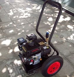 Βενζινοκίνητο πλυστικό μηχάνημα επαγγελματικής χρήσης  5,5ΗΡ  660λτ/ώρα made in italy